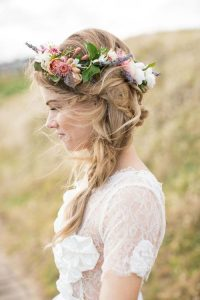 acconciatura da sposa fiori