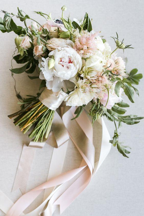 Ben noto bouquet da sposa bianco e verde% CG84