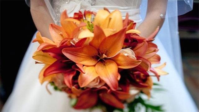 Bouquet Sposa Arancio.10 Bouquet Da Sposa Con I Fiori Di Stagione Piu Belli
