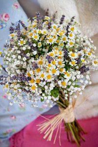 bouquet da sposa margherite e lavanda fai da te