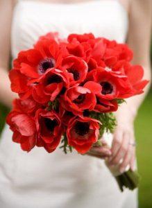 bouquet da sposa rosso con papaveri