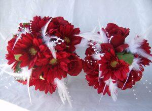 bouquet da sposa rosso con margherite